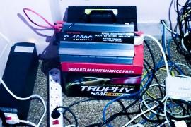 حلول لتشغيل الكمبيوتر و الراوتر عند انقطاع الكهرباء