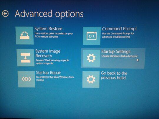 تعلم 3 طُرق مختلفة لإطلاق حاسوبك في حالة safe mode على Windows 8 فيما أعلى