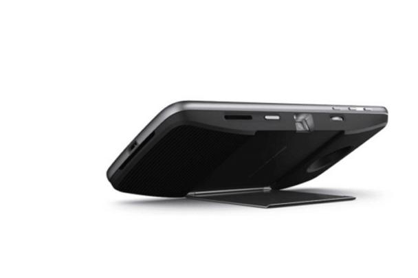 مراجعة هاتف Moto Z Droid مميزاته وعيوبه مع السعر 10