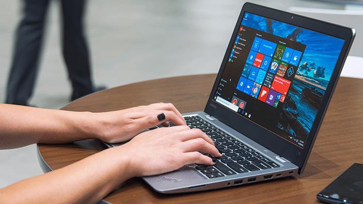 كيفية ازالة التطبيقات الغير لازمة من Windows 10 بإستخدام Windows Refresh Tool 1