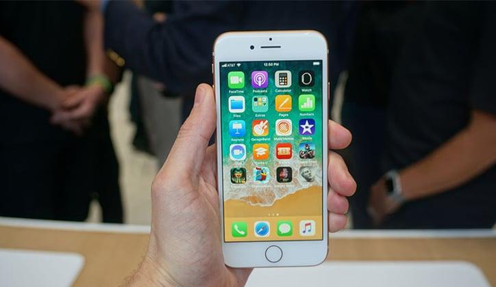 مراجعة كاملة عن هاتف iPhone 8 و iPhone 8 Plus الجديد 1