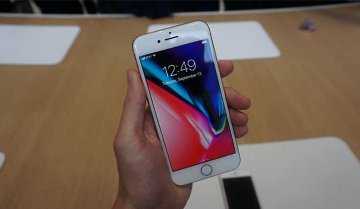 مراجعة كاملة عن هاتف iPhone 8 و iPhone 8 Plus الجديد 4