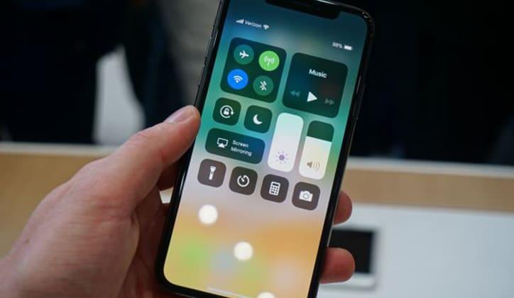 """مراجعة هاتف ايفون اكس iPhone X """"ايفون 10"""" الجديد السعر و المميزات و الإمكانيات 7"""