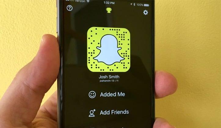 حل مشكلة فشل تسجيل الدخول وتعليق تطبيق السناب شات Snapchat 1