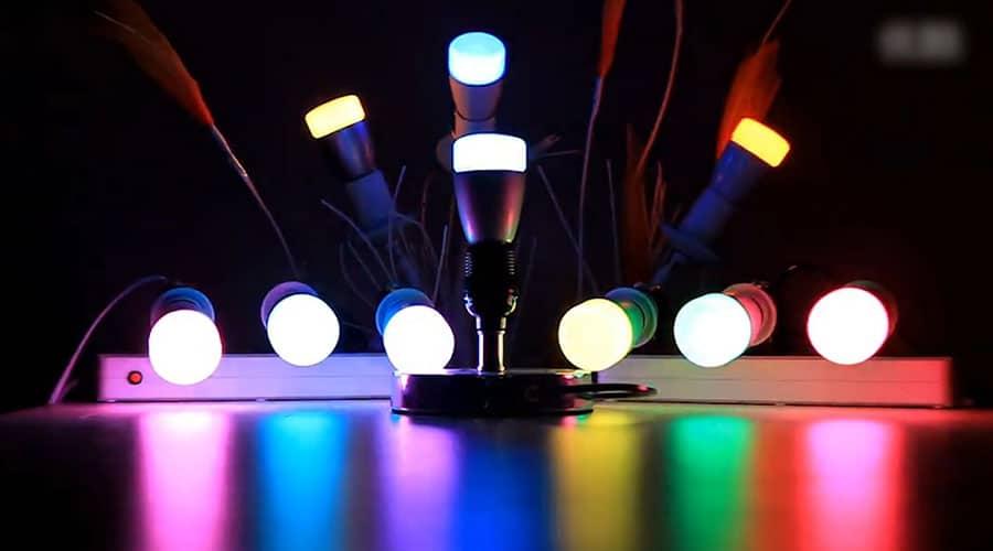 مراجعة لمبة Mi Yeelight LED الذكية من شاومي: تحكم كامل بإضاءة 16 مليون لون عن طريق الهاتف 3