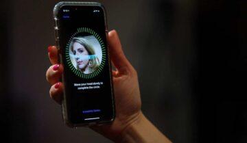 تحذير الشرطة بعدم النظر لهواتف iPhone X الخاصة بالمشتبة فيهم 6