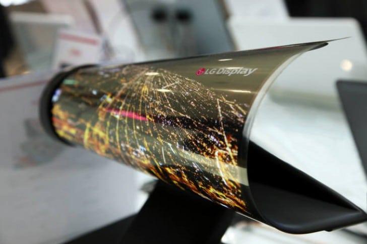 LG ستكشف عن هاتفها القابل للثني في CES 2019 1