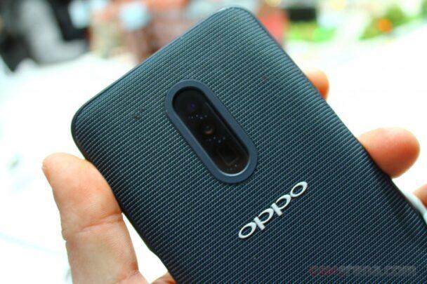 هاتف Reno سيأتي بشاشة تغطي 93% من حجم الجهاز 1