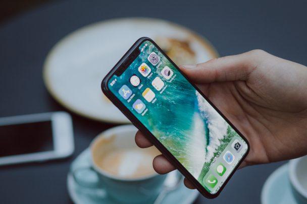 أفضل IOS launcher لجعل هاتفك الأندرويد بشكل الـ IOS 1