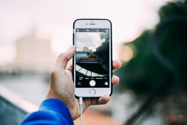كيف تستخدم الأيفون iPhone ككاميرا ويب Webcam 1