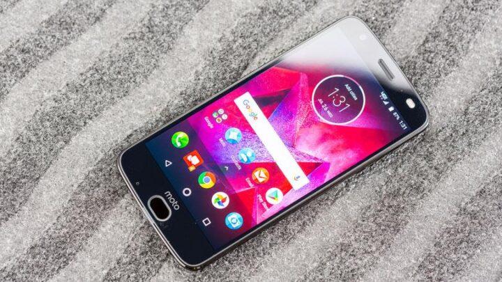 Motorola تخطئ و تعلن انها لتحدث Moto Z2 force الى Android pie 1