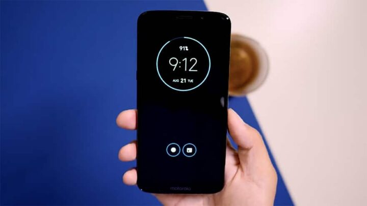 Motorola تخطئ و تعلن انها لتحدث Moto Z2 force الى Android pie 3
