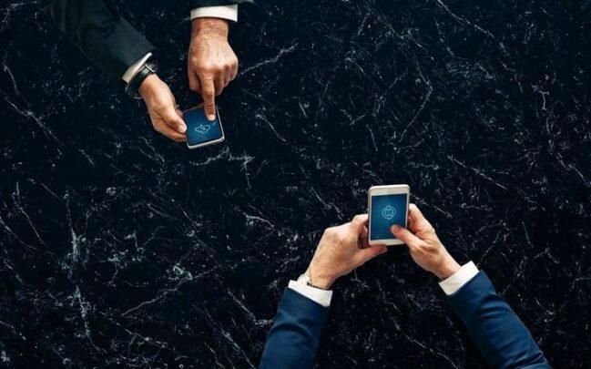 تطبيقات لنقل الملفات بين جهازي Android و IPhone 1