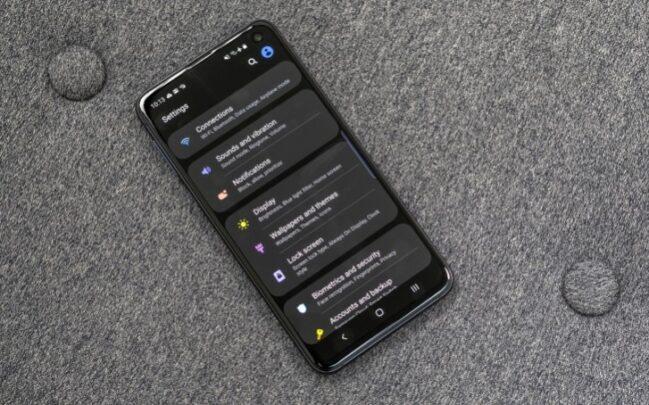 هاتف Galaxy 10e