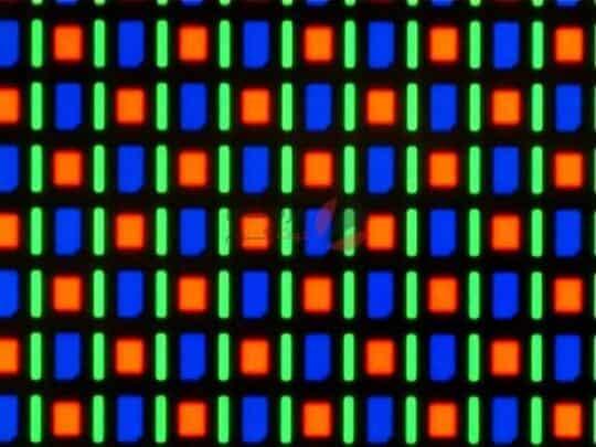 الفرق بين شاشات AMOLED و IPS ولماذا نفضل الأولى؟ 1